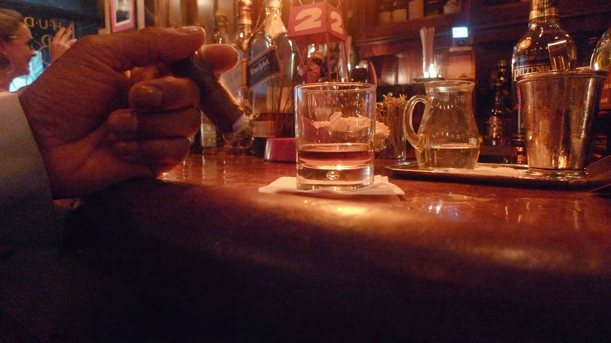 Hudson Bar and Books – Smoke and Minds