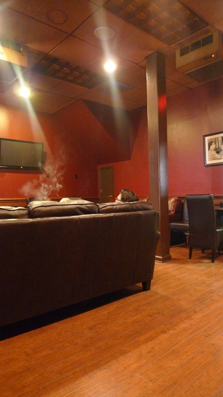 Smoke from Guest, Fume, Montclair, NJ / Leica D-Lux 4