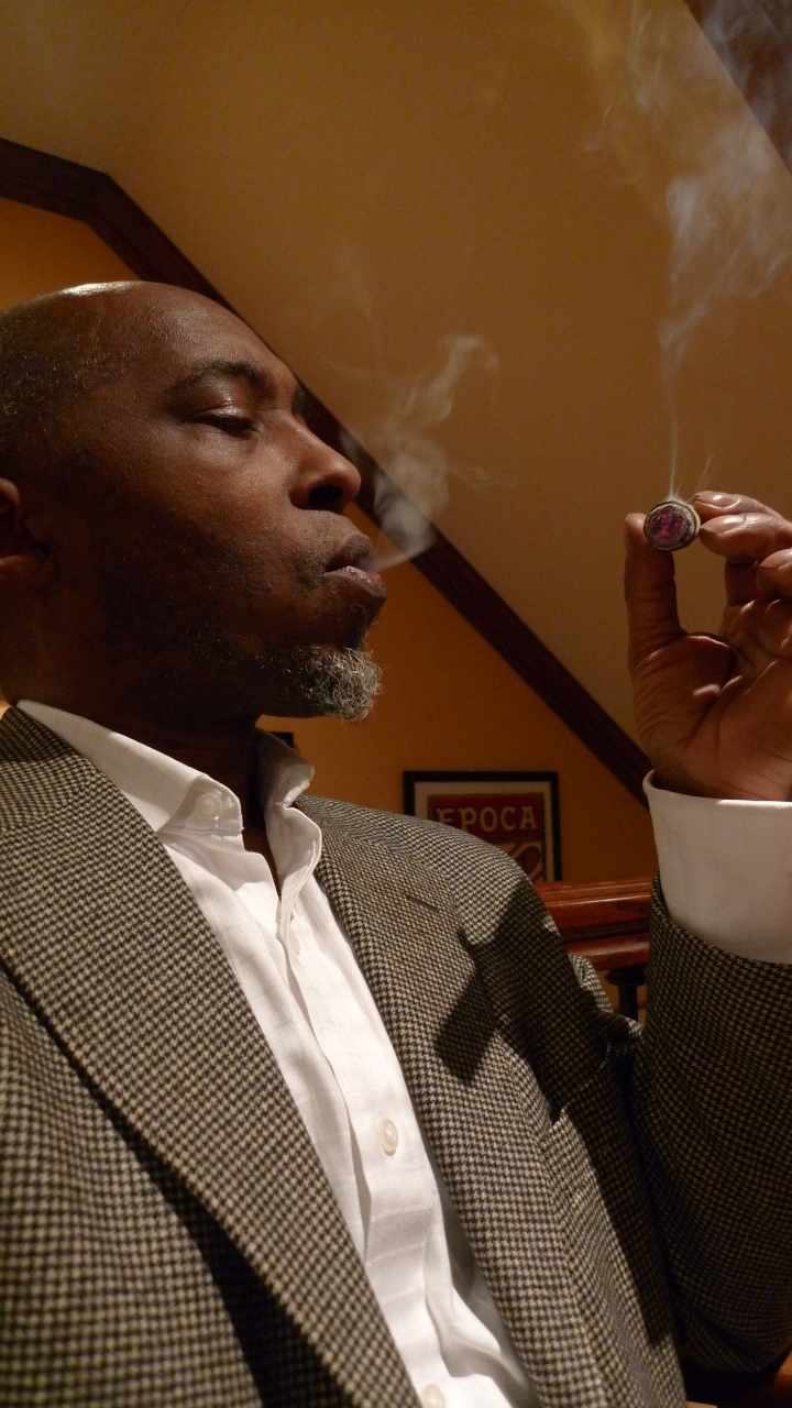 filthy hooligan (with candela wrapper) from Alec Bradley / Nat Sherman, New York, NY / Leica D-Lux 4