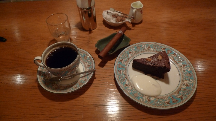 House Blend, a Montecristo and chocolate cake / Cafe Rim, Ginza, Tokyo, Japan / Leica D-Lux 4