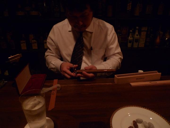 Cigar Bar in Shinkoiwa, Tokyo, Japan / Leica D-Lux 4