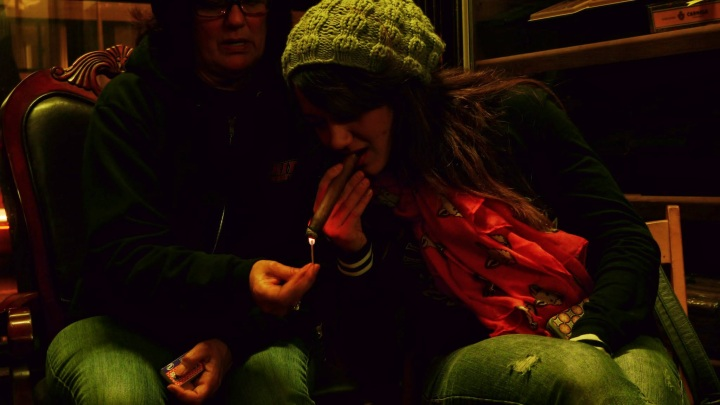 Ro and Chrissie / NYC Fine Cigars, New York, NY / Leica D-Lux 4