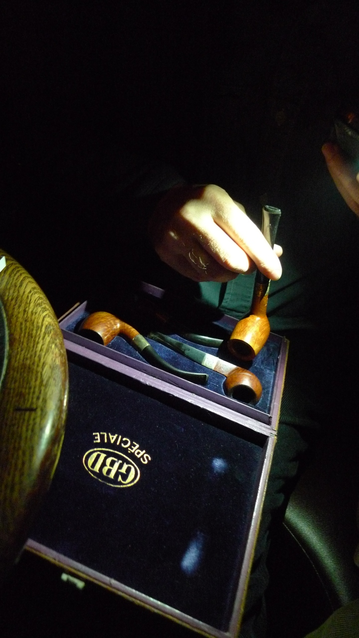 Looking at the one from 1939 / Box of four GBD Pipes during Meeting of New York Pipe Club / Soho Cigar Bar, New York, NY / Leica D-Lux 4