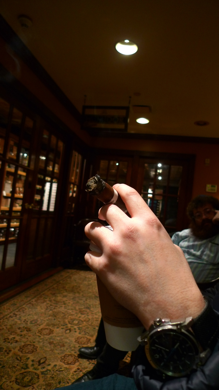 Cigar in Yanky's Hand / Nat Sherman, New York, NY / Leica D-Lux 4