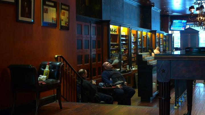 Two Policemen / Cigar Inn, New York, NY / Leica D-Lux 4