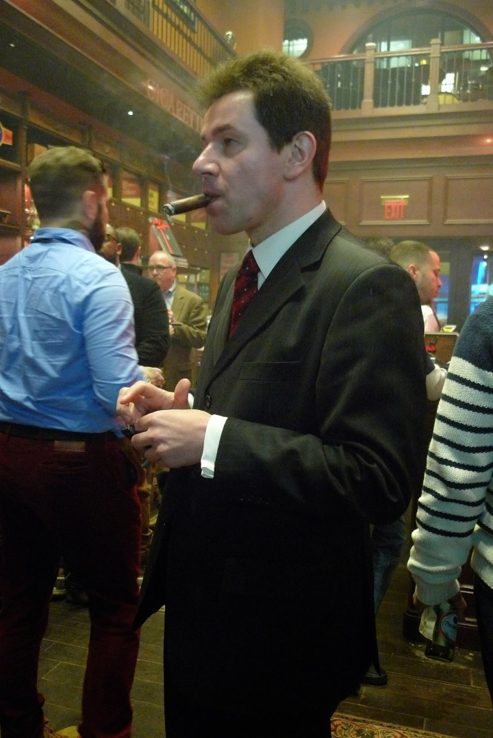 Smoking a HR by the presentation of Hirochi Robaina's new Cigar line / Nat Sherman, New York, NY / Leica D-Lux 4