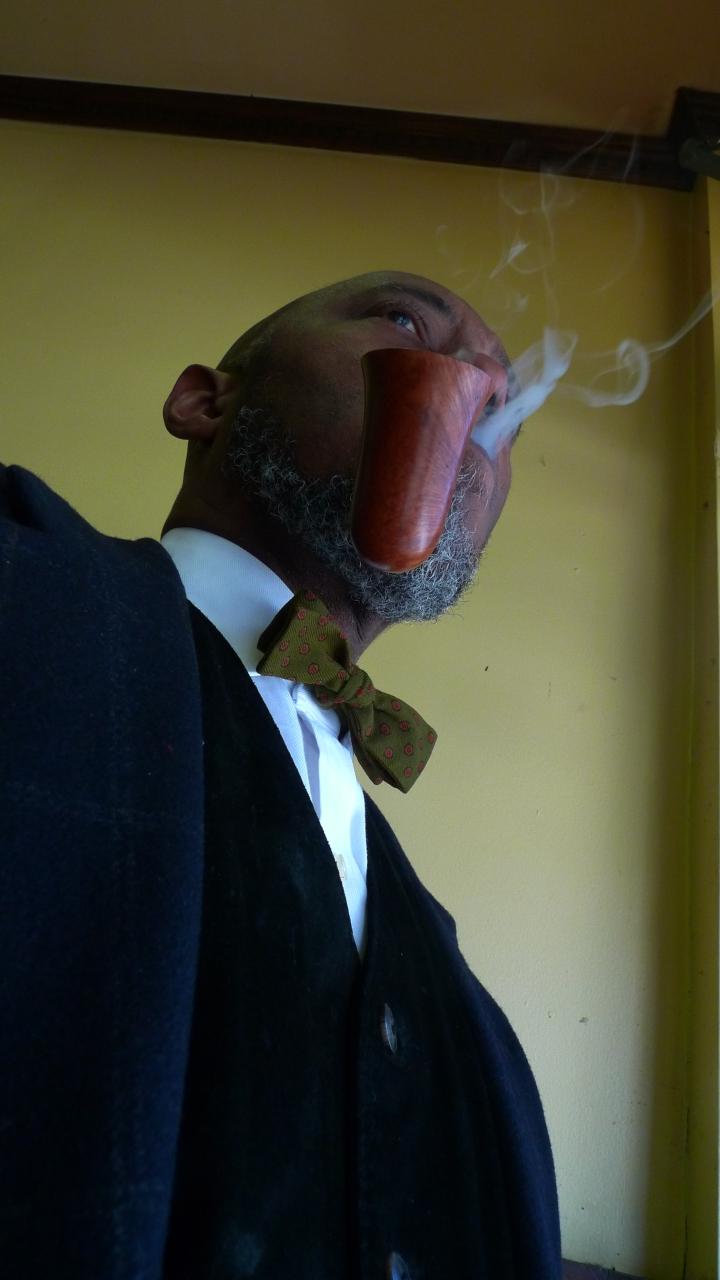 Bent Bell - Ed Burak, NY / at NYC Fine Cigars, New York, NY / Leica D-Lux 4