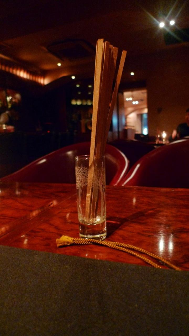 Le Connoisseur Cigar Shop, Bar & Cafe / Roppongi, Tokyo, Japan / Leica D-Lux 4