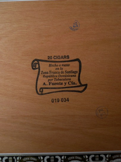 Arturo Fuente - Chateau Fuente, Rothschild Natural - Box of twenty / Leica D-Lux 4