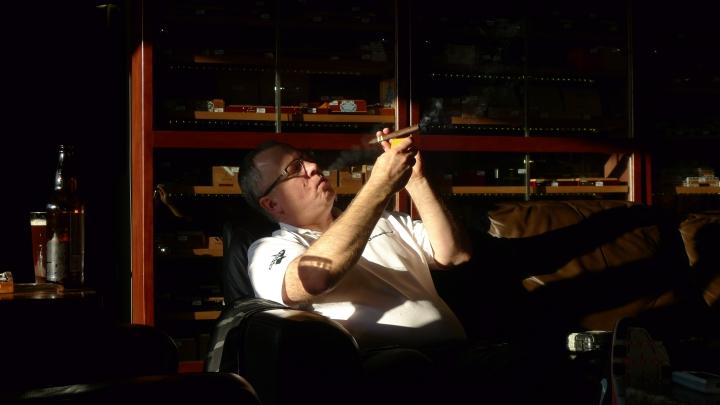 Smokey Joe's Cigar Lounge at BJ's Bingo, Fife, Washington / Leica D-Lux 4