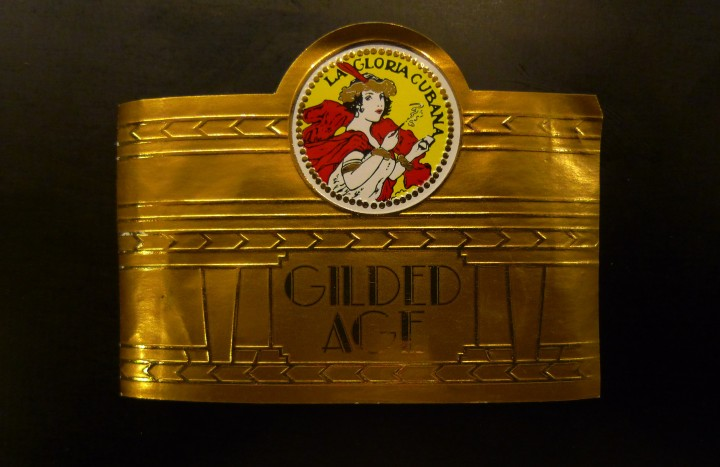 Ring for a La Gloria Cubana - Gilded Age - Toro / Leica D-Lux 4