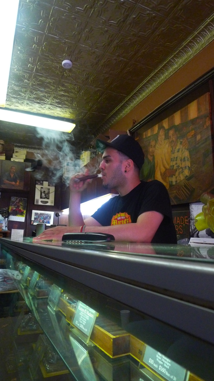 Martinez Hand Rolled Cigars, New York, NY / Leica D-Lux 4