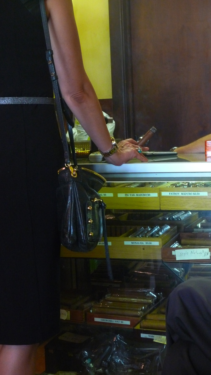 Tiffani / NYC Fine Cigars, New York, NY / Leica D-Lux 4