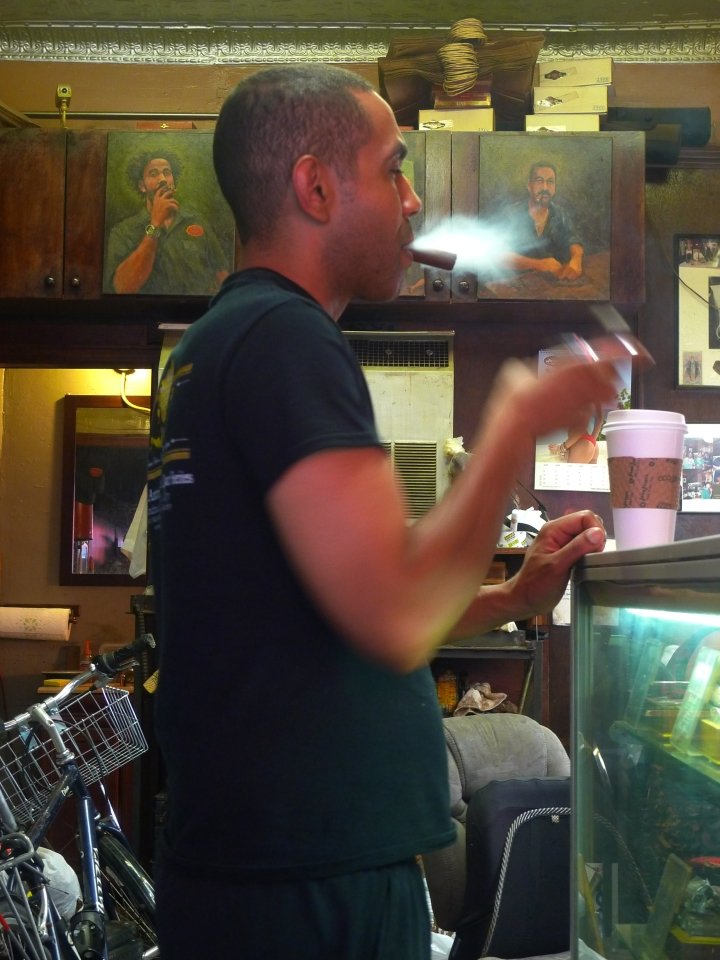 Jesús Martinez, Martinez Handmade Cigars, New York, NY / Leica D-Lux 4