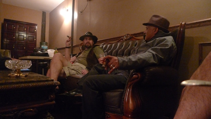 Steve (Drawings, Sculptures) and Rolando (Percussion) / NYC Fine Cigars, New York, NY / Leica D-Lux 4