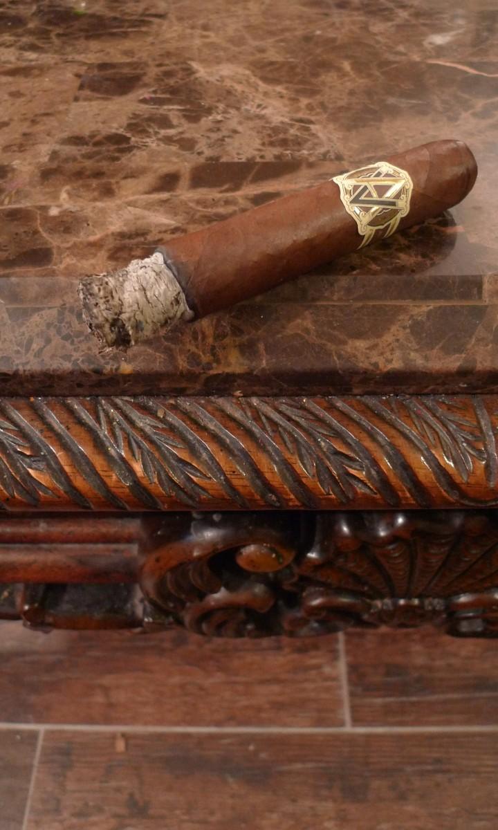 Avo, Heritage - Special Toro, 6x60 / NYC Fine Cigars, New York, NY / Leica D-Lux 4 / Photo: Sila Blume