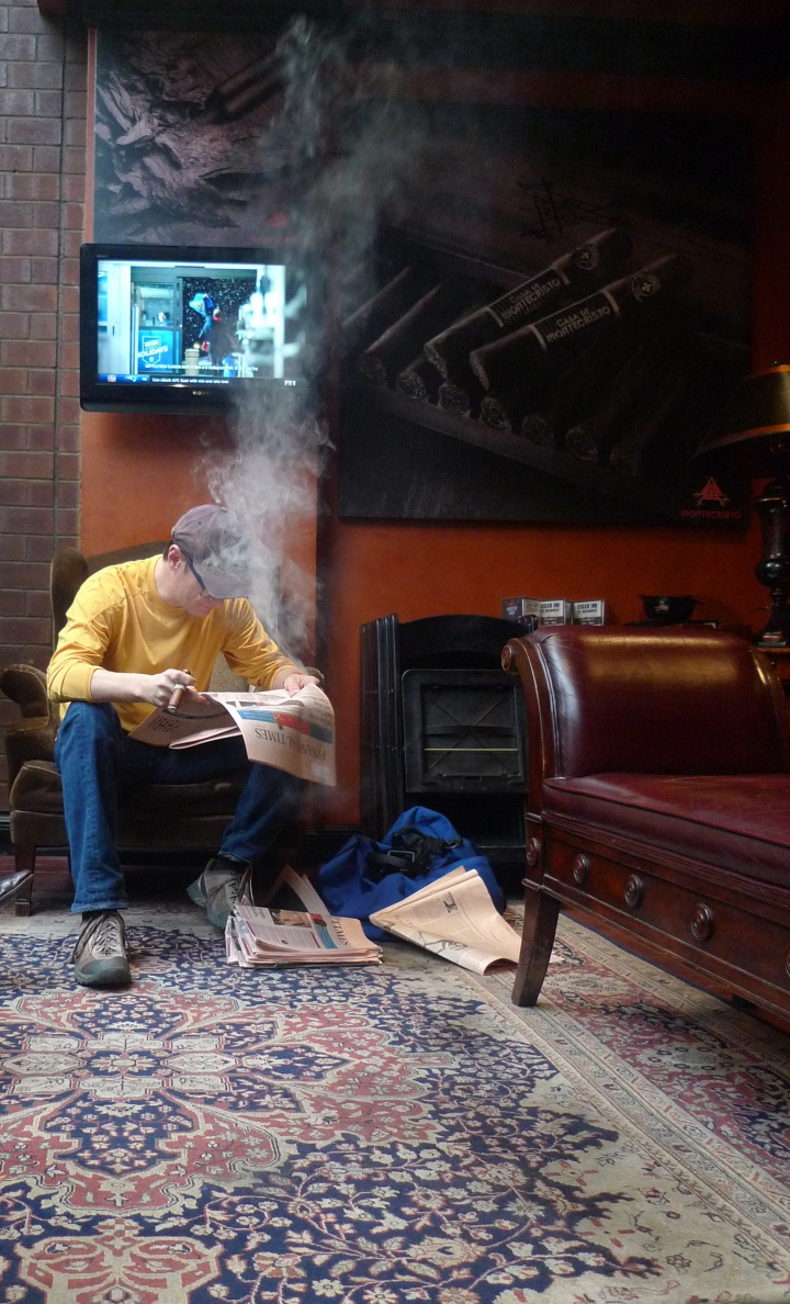 Cigar Inn, New York, NY / Leica D-Lux 4 / Photo: Sila Blume
