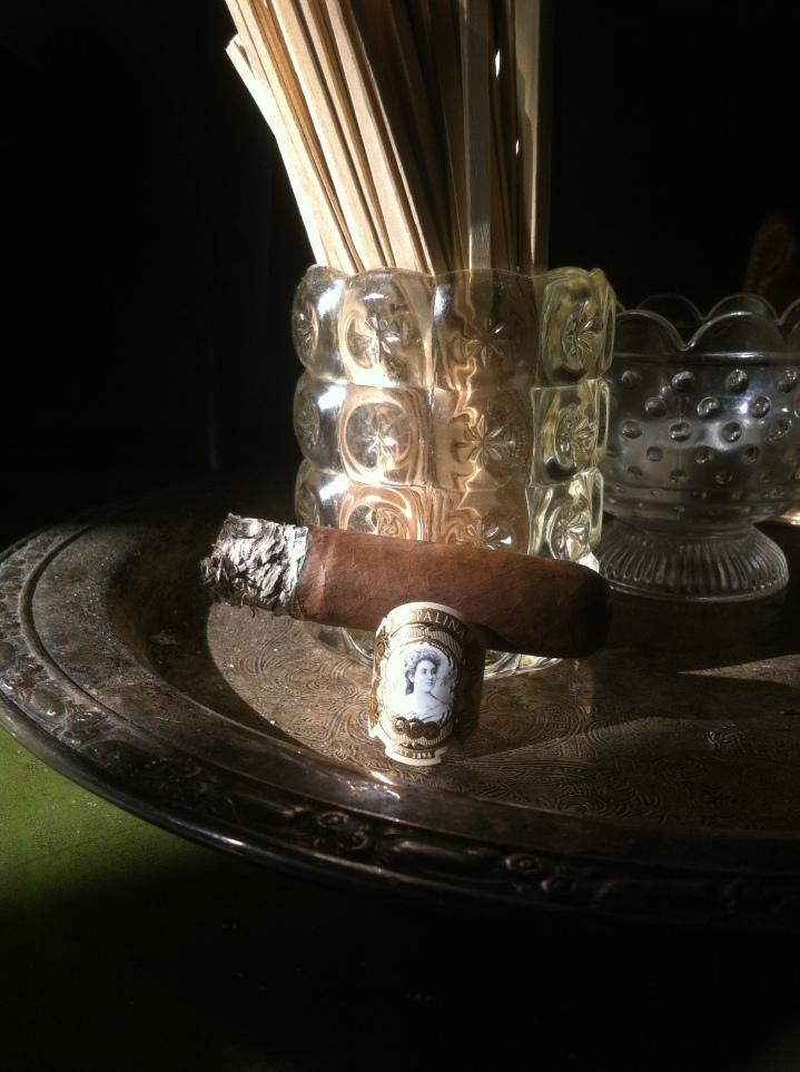 Blew Smoke Cigar Room, Brooklyn, New York / iPhone 4 / Photo: Sila Blume