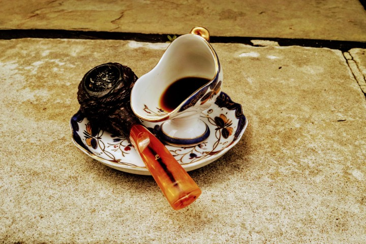 Lorenzo Pipe and La Colombe Coffee in JapanesePorcelain